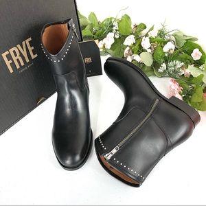 Frye Melissa stud short boots black size 8.5 (A16)